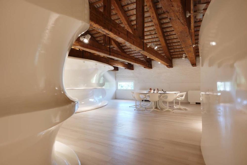 RubensLuciano Offices & Showroom